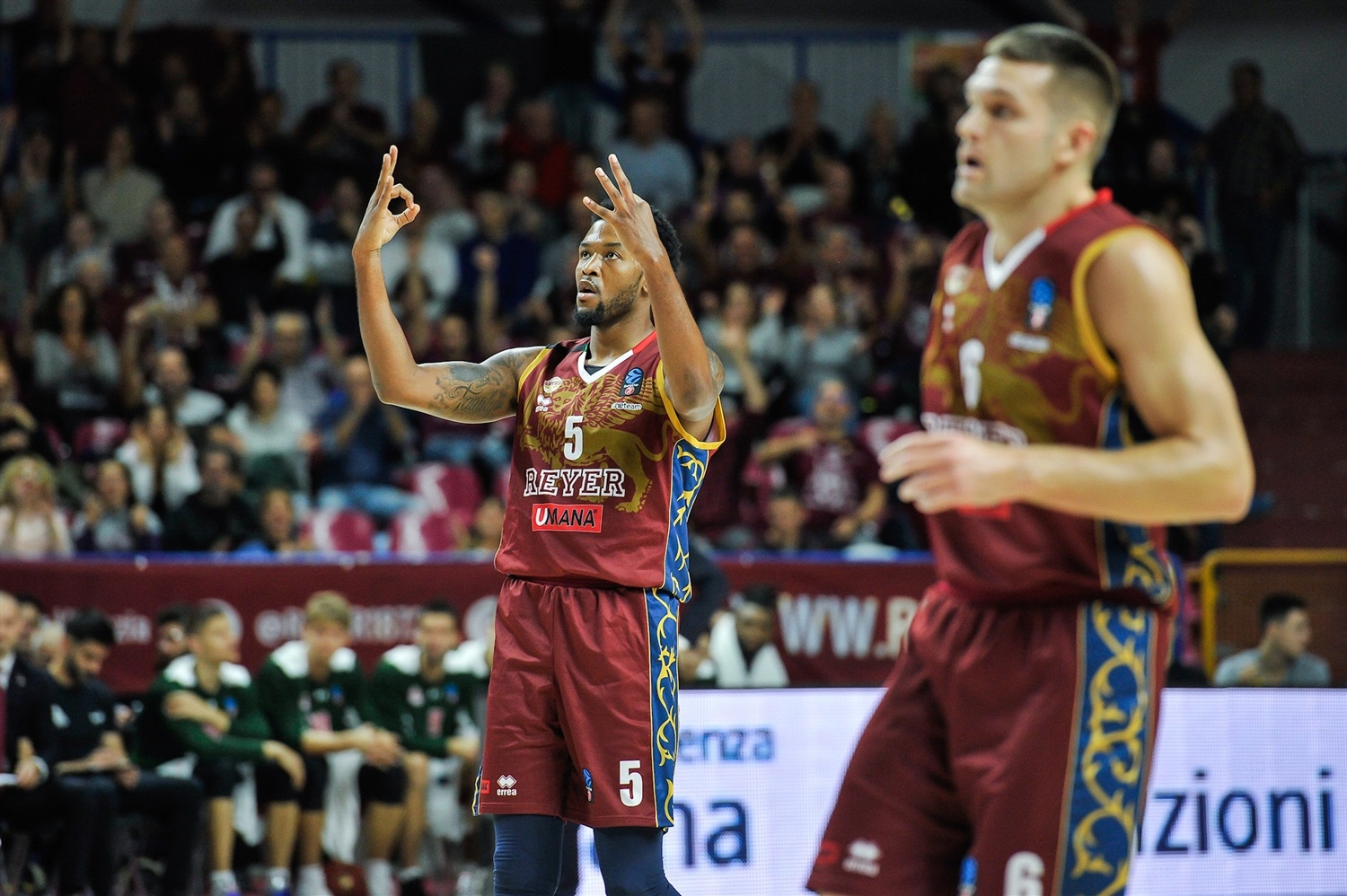 Julyan Stone celebrates - Umana Reyer Venice (photo Reyer) - EC19