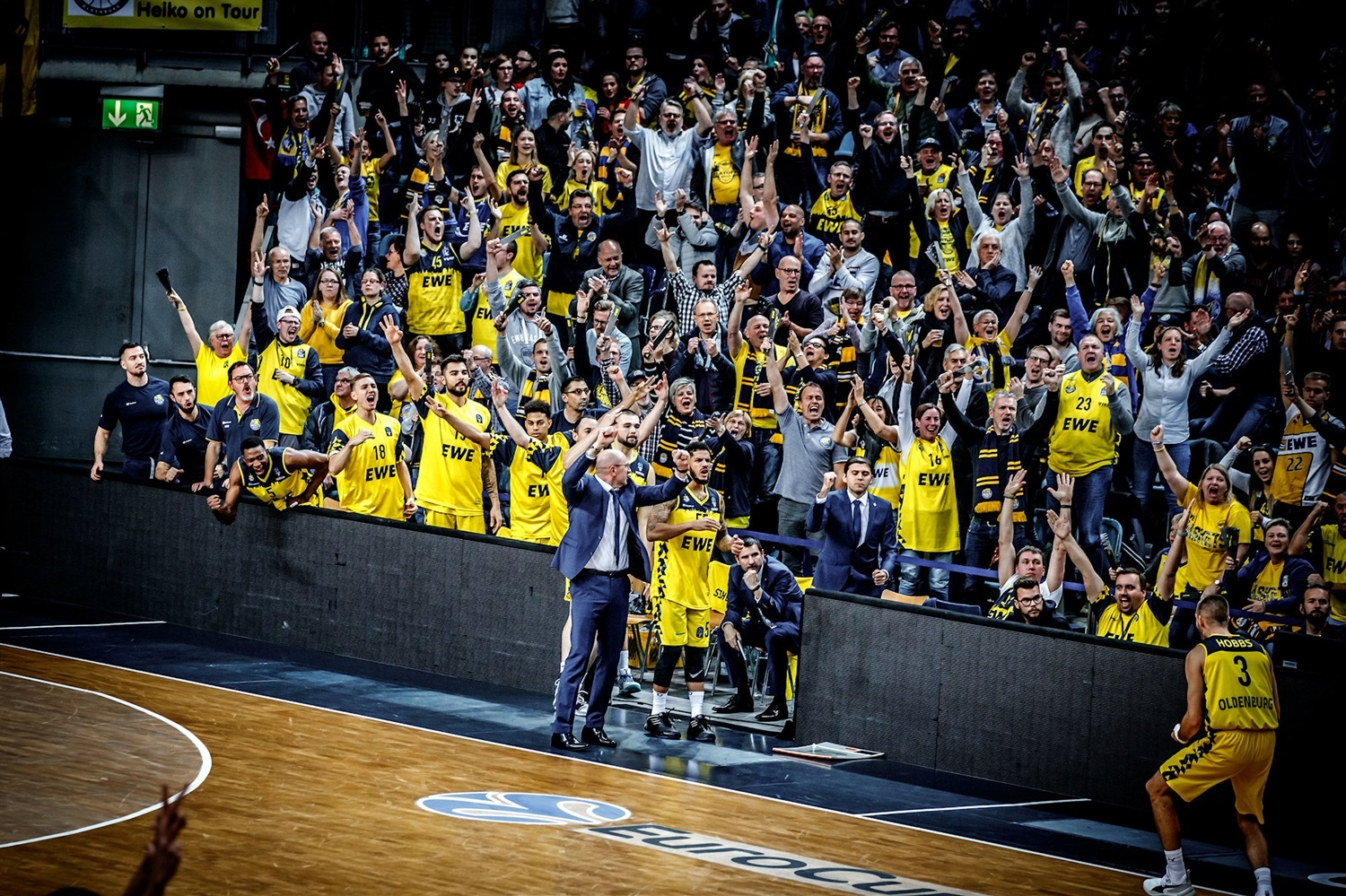 EWE Baskets Oldenburg celebrates (photo Ulf Duda - fotoduda.de) - EC19
