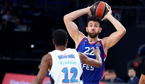 RS08 Report: Efes holds off Zenit for sixth win