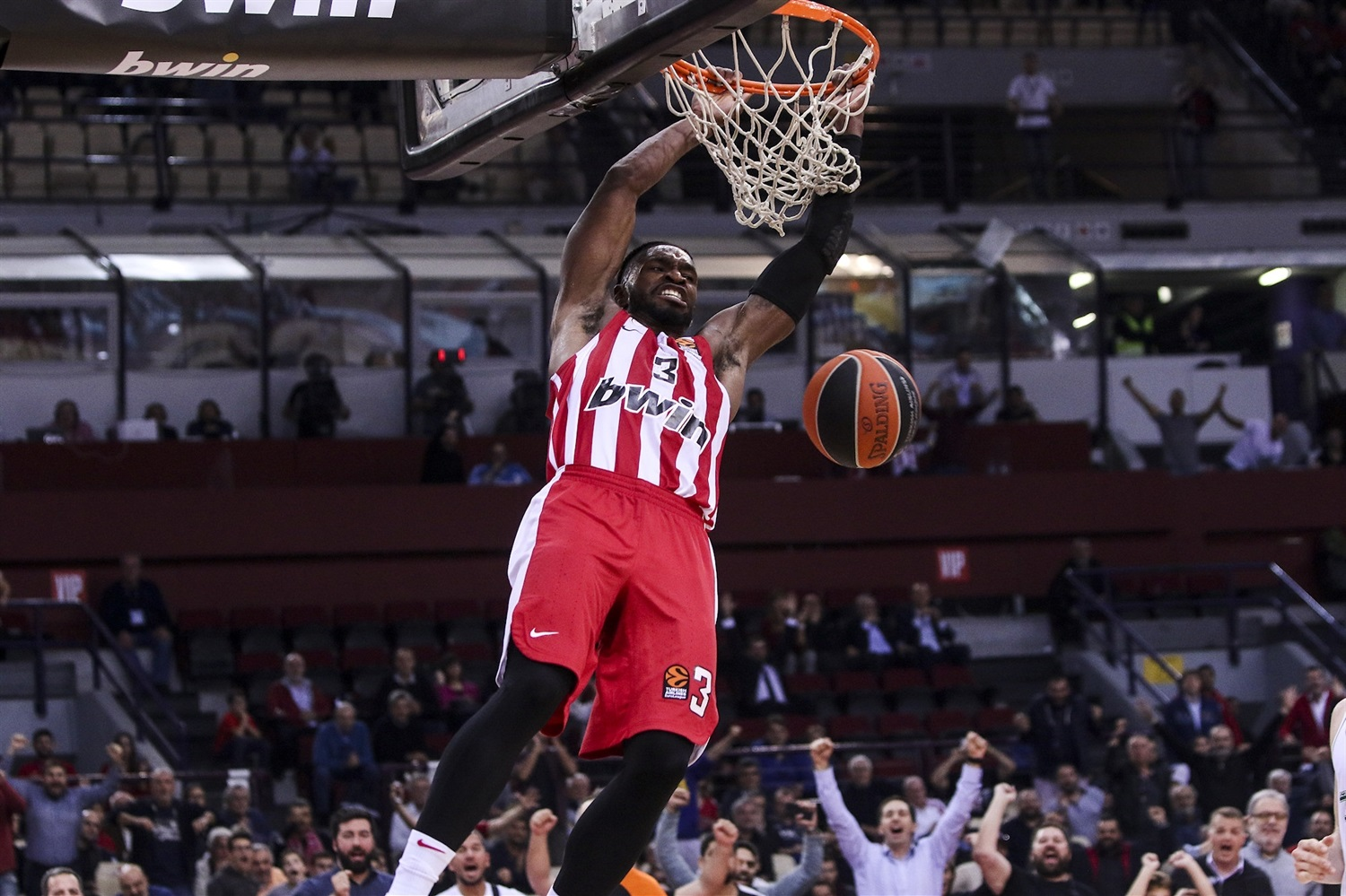 Brandon Paul - Olympiacos Piraeus - EB19