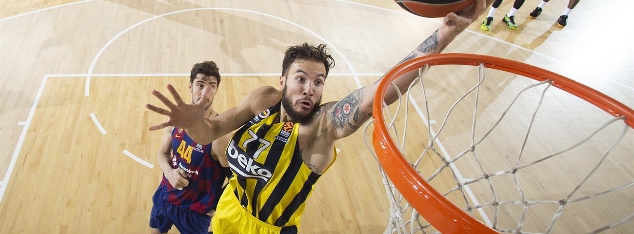 Zalgiris continues re-tooling with big man Lauvergne