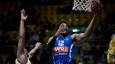Buducnost storms host Arka to stay alive