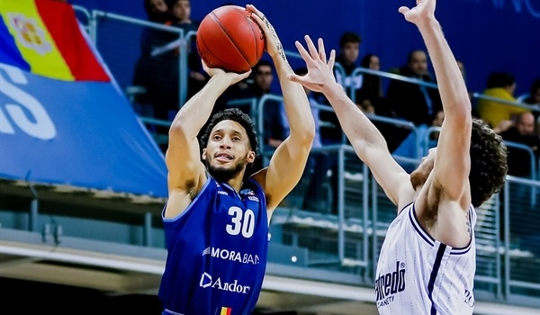 Andorra keeps combo guard Senglin