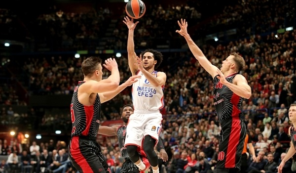 RS10 Report: Efes wins in Milan, is first to 8 wins