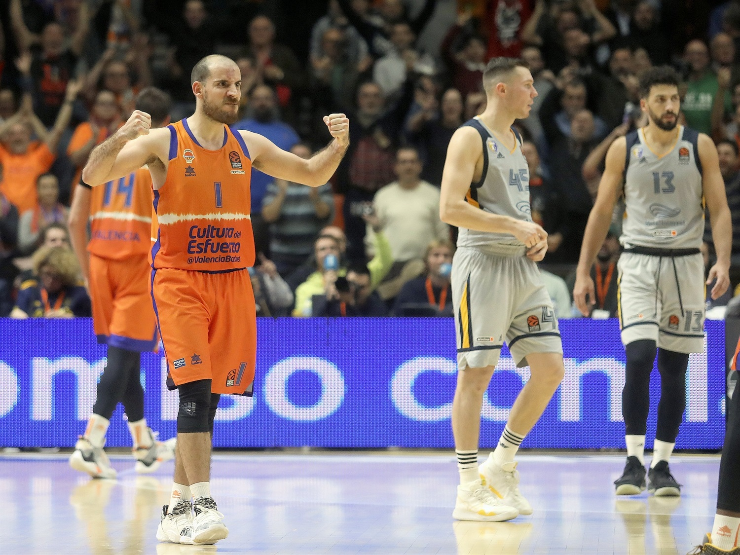 Quino Colom celebrates - Valencia Basket - EB19