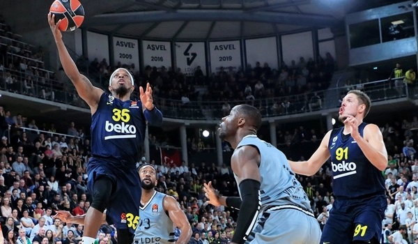 RS10 Report: Fenerbahce breaks slump for first road win