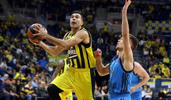 Fenerbahce, three-time champ Sloukas part ways