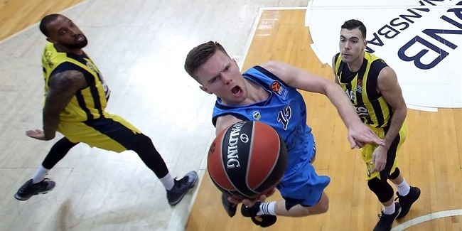 Valencia claims combo guard Hermannsson