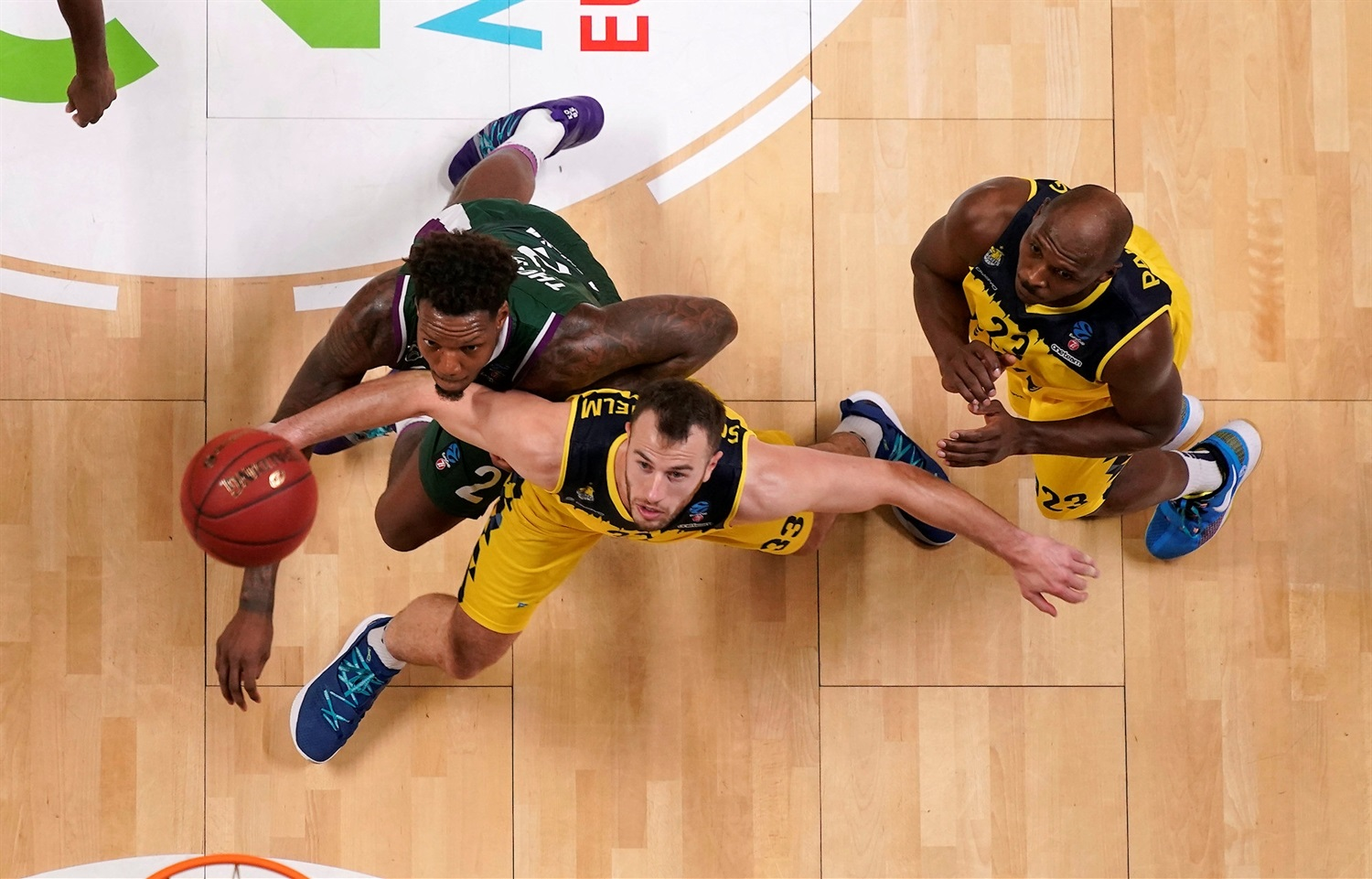 Philipp Schwethelm - EWE Baskets Oldenburg (photo Mariano Pozo - Unicaja) - EC19