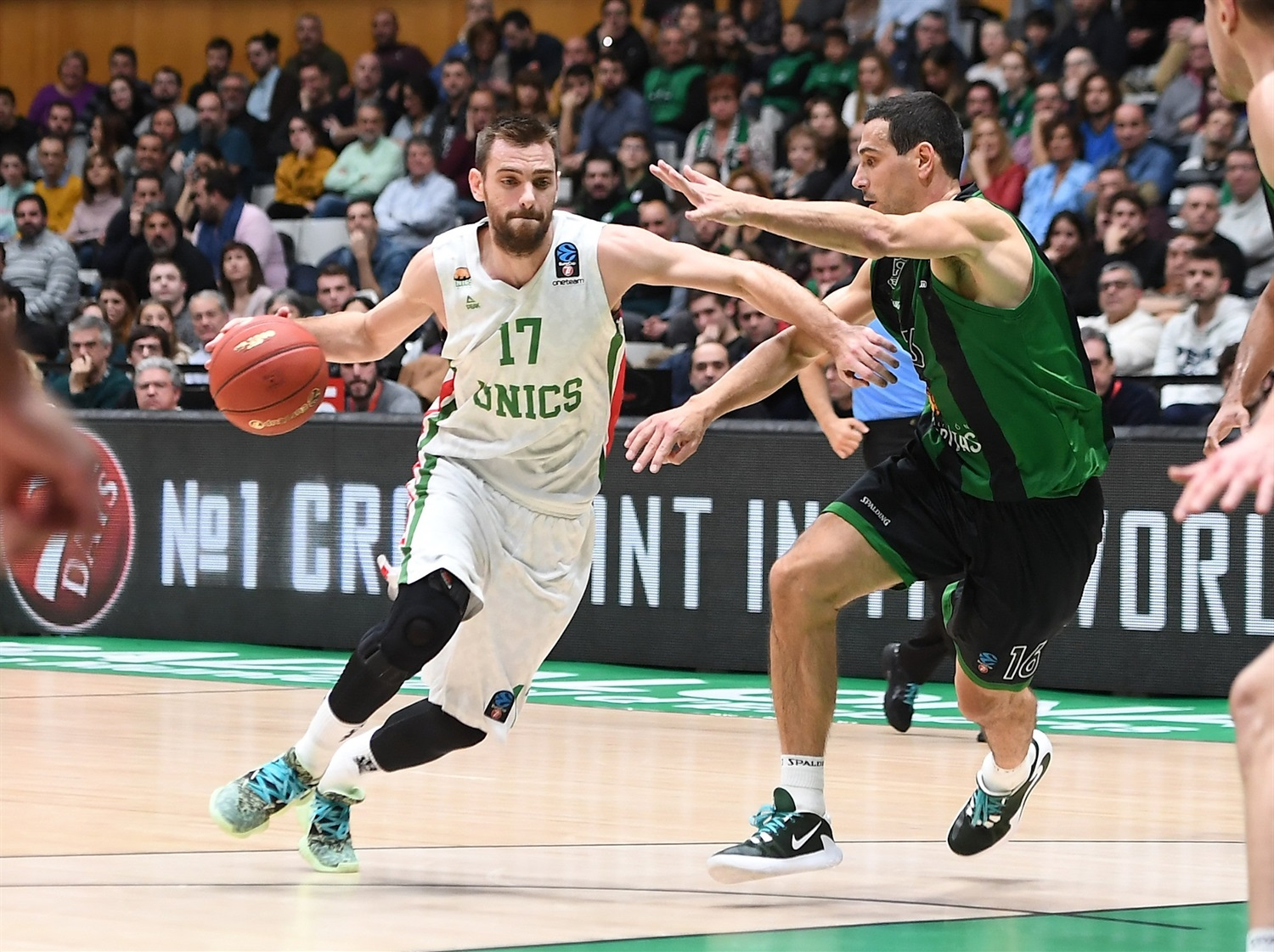 Vangelis Mantzaris - UNICS Kazan (photo David Grau - Joventut) - EC19