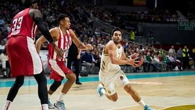 Real gets 8th straight win against Olympiacos