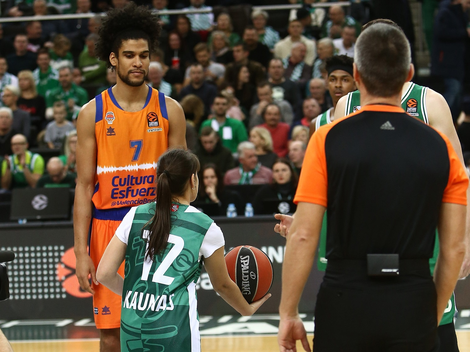 One Team Games - Zalgiris Kaunas vs. Valencia Basket - EB19_a94bqnkaildcpo6l