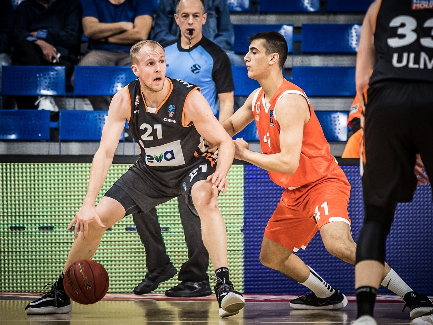 Seth Hinrichs - ratiopharm Ulm (photo Rishon) - EC19