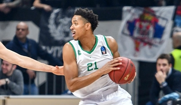 Metropolitans signs swingman Brown