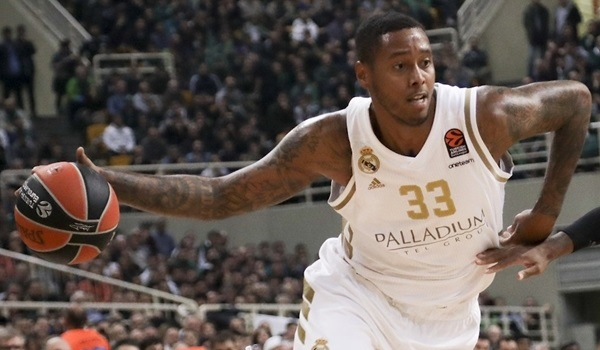 Real re-signs power forward Thompkins