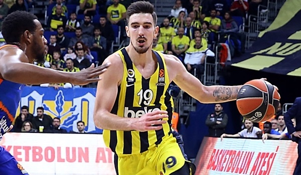 Nando De Colo: 'Bring the same motivation every day'