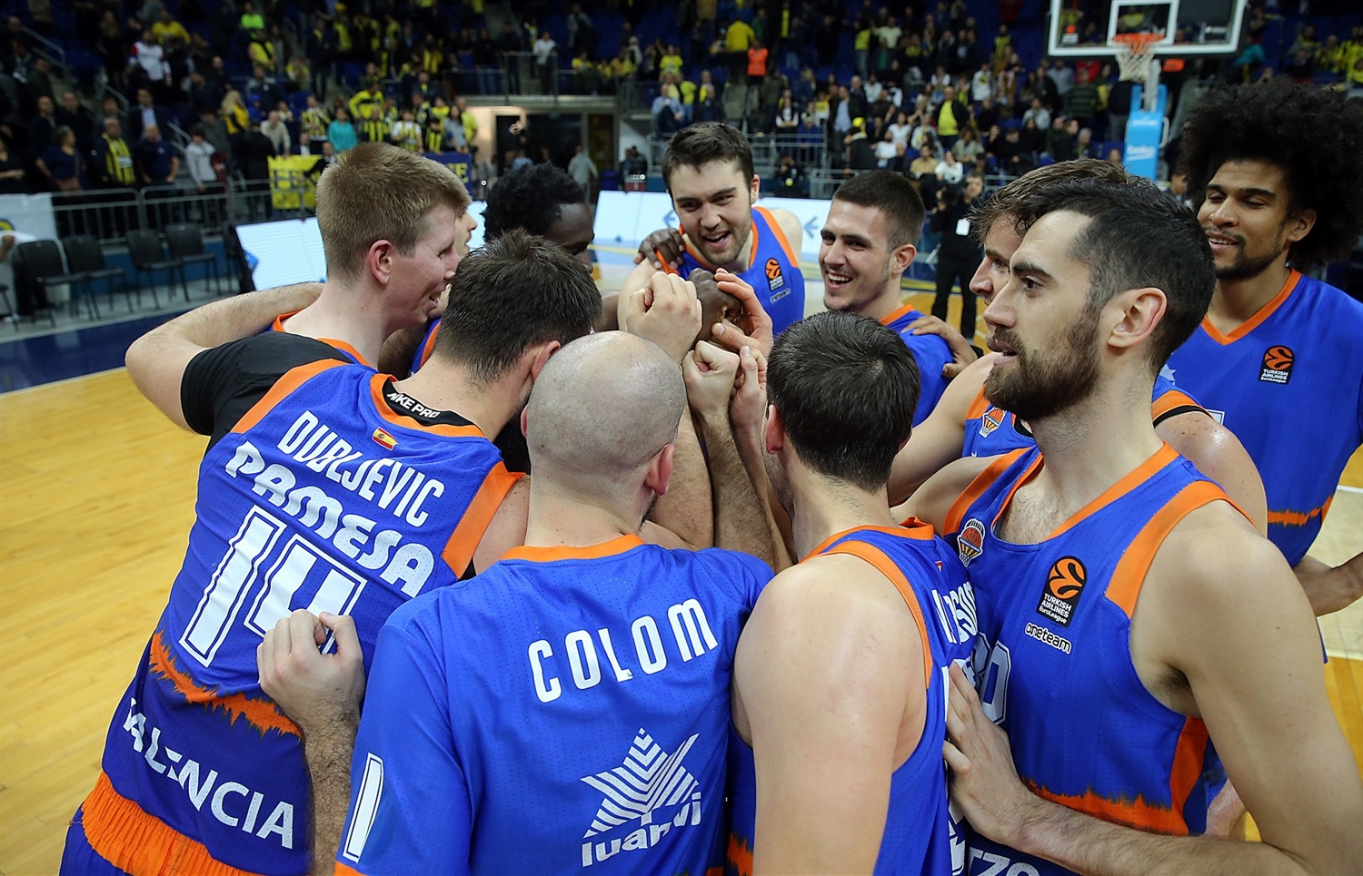 Valencia Basket celebrates - EB19