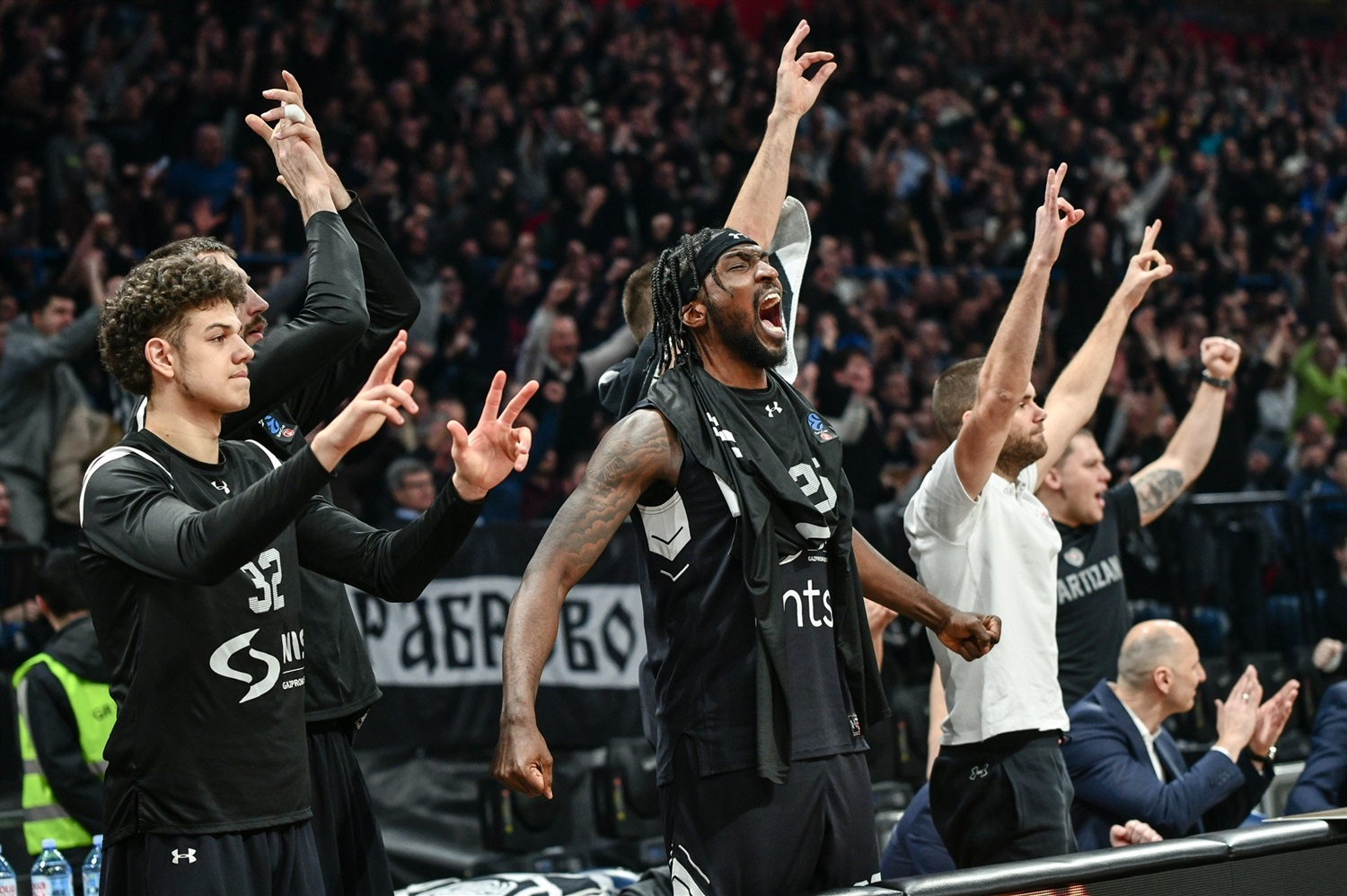 Rashawn Thomas celebrates - Partizan NIS Belgrade (photo Dragana Stjepanovic) - EC19