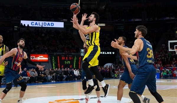RS18 Report: Westermann leads Fenerbahce past Baskonia