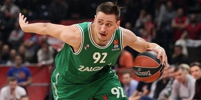 Fenerbahce brings in versatile forward Ulanovas