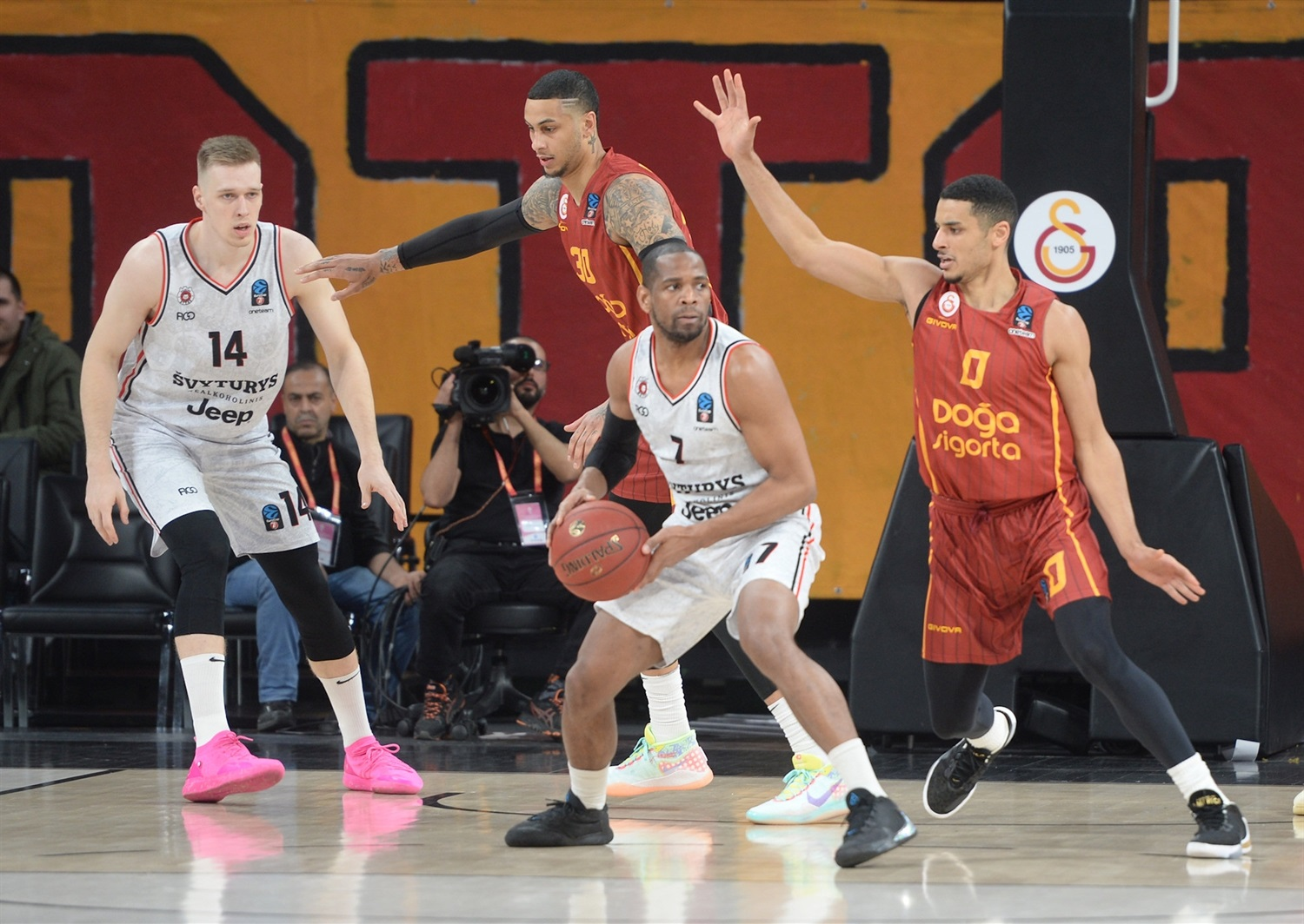 Terrell Holloway - Rytas Vilnius (photo Galatasaray) - EC19