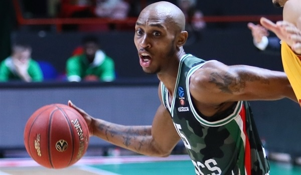 UNICS re-signs sharp shooter Smith