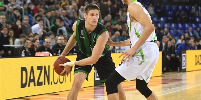 Joventut extends power forward Morgan