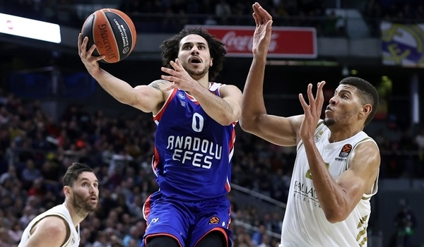 RS21 Report: Larkin leads Efes to road win in Madrid