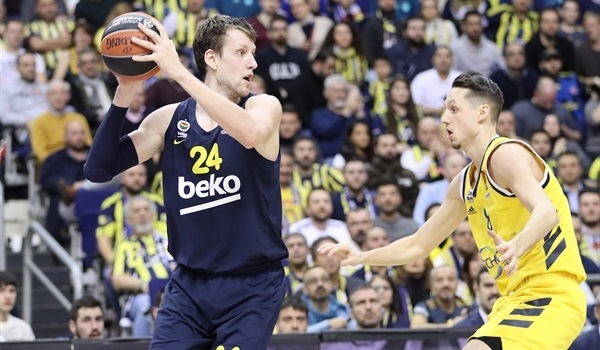 RS22 Report: Westermann wins it for Fenerbahce in Berlin