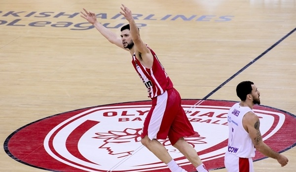 Reds, Papanikolaou together through 2023