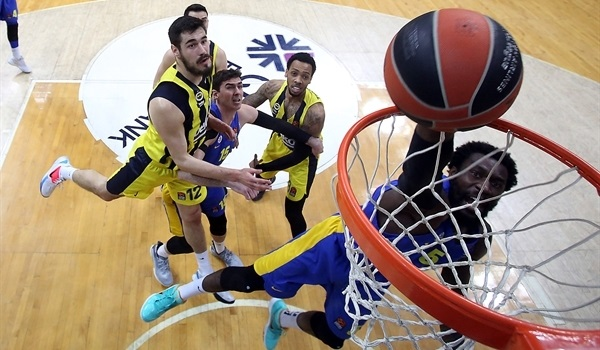RS24 Report: Hunter lifts Maccabi at finish over Fenerbahce