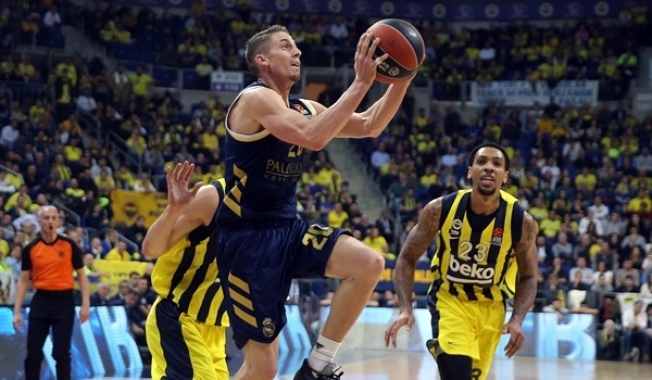 RS25 Report: Real blasts Fenerbahce in Istanbul