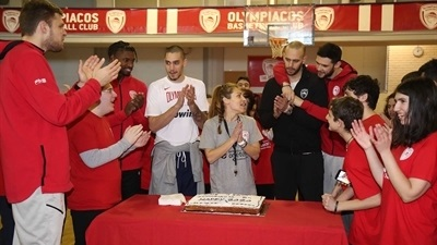 Olympiacos stars savor 'pure moments' with One Team