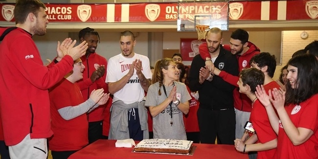 Olympiacos stars savor 'beautiful and pure moments' with One Team