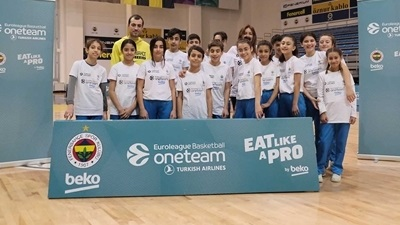 Eat like a pro with One Team and Fenerbahce!