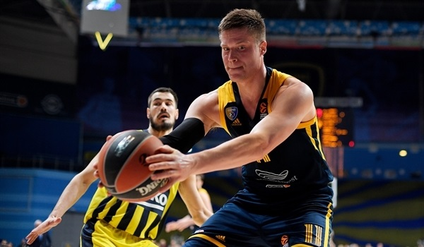 RS28 Report: Jerebko, Shved lead Khimki to critical win