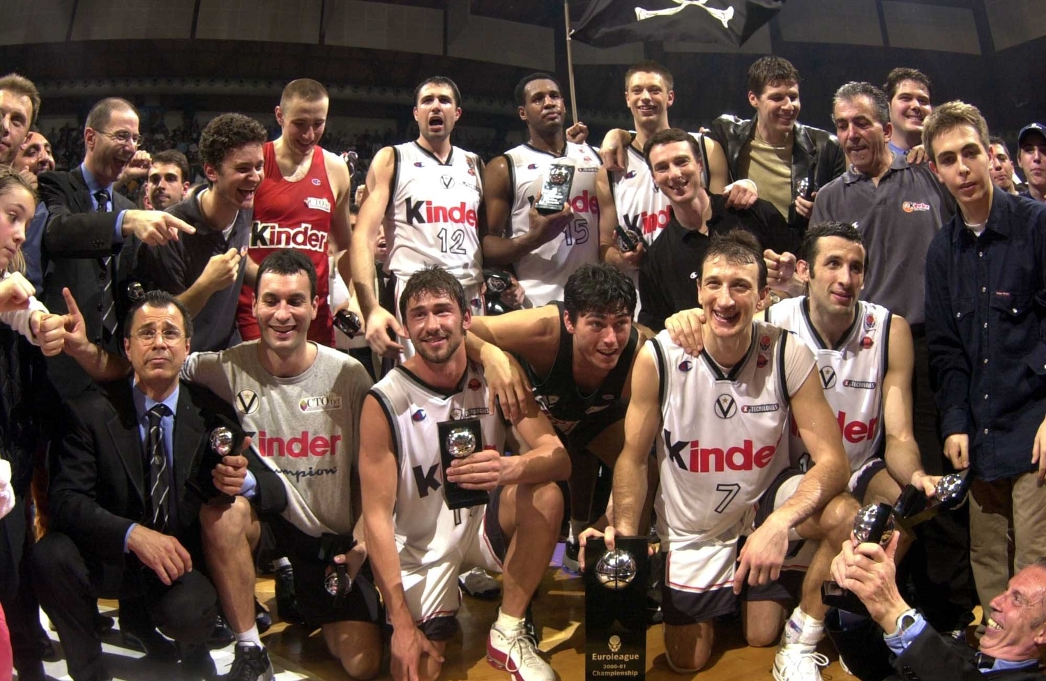 Kinder Bologna, Champ EuroLeague 2000-01
