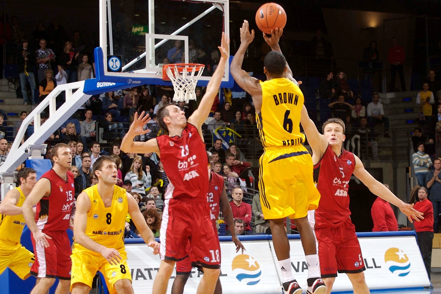 Bobby Brown - ALBA Berlin (photo Tilo Wiedensohler - ALBA) - EC07