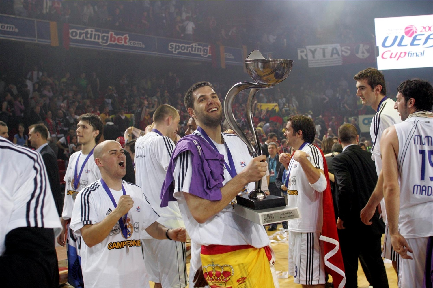 Felipe Reyes - Real Madrid Champ - ULEB Cup final 2007 - EC06