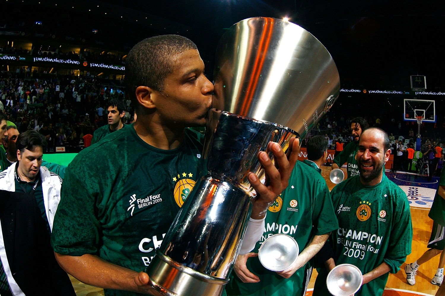 Mike Batiste - Panathinaikos is Champ 2008-09 - Final Four Berlin 2009