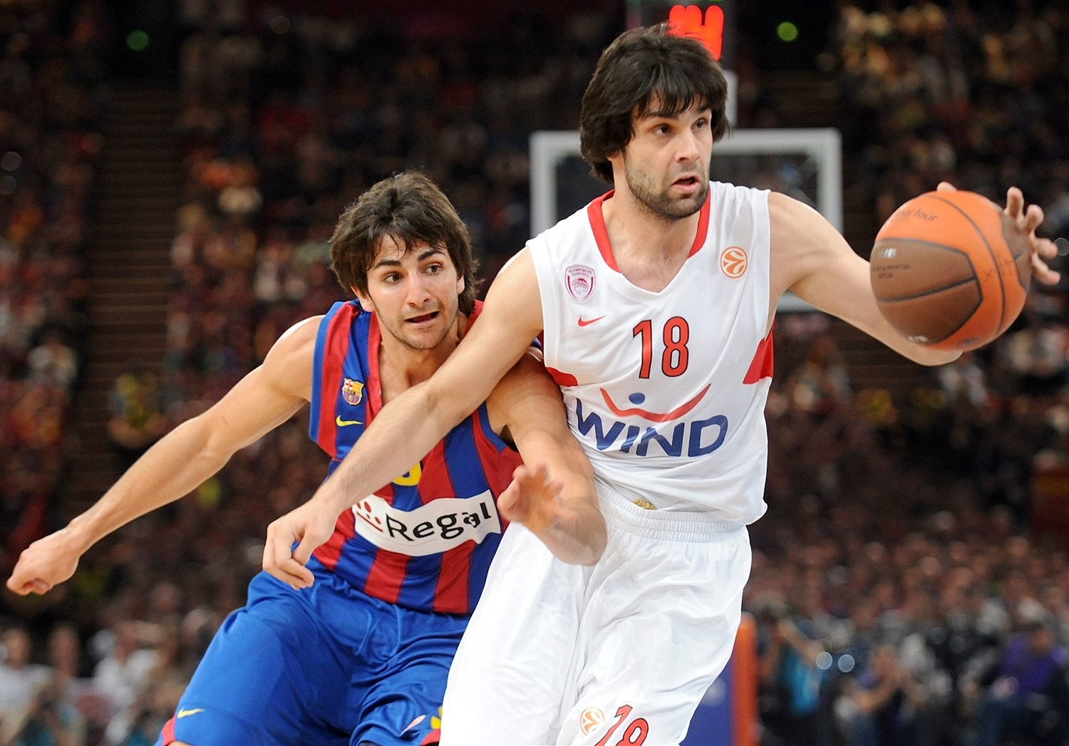 Milos Teodosic - Olympiacos - Final Four Paris 2010 - EB09