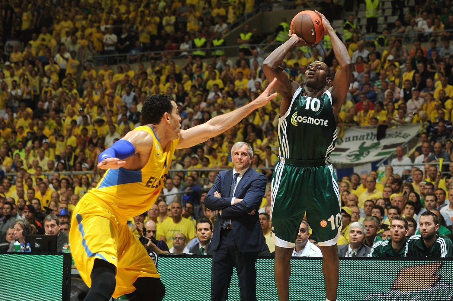 Romain Sato - Panathinaikos Athens - Final Four Barcelona 2011 - EB10