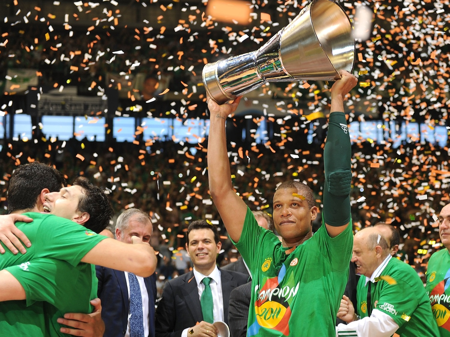 Mike Batiste - Panathinaikos Champ Final Four Barcelona 2011 - EB10
