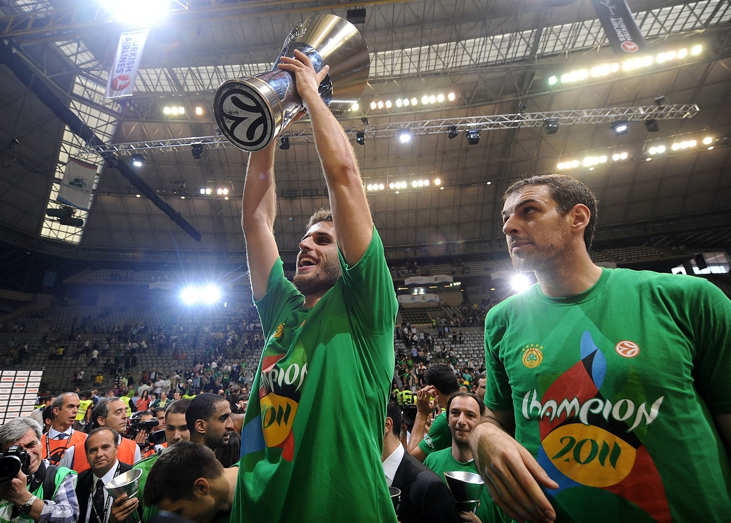 Stratos Perperoglou - Panathinaikos Champ Final Four Barcelona 2011 - EB10
