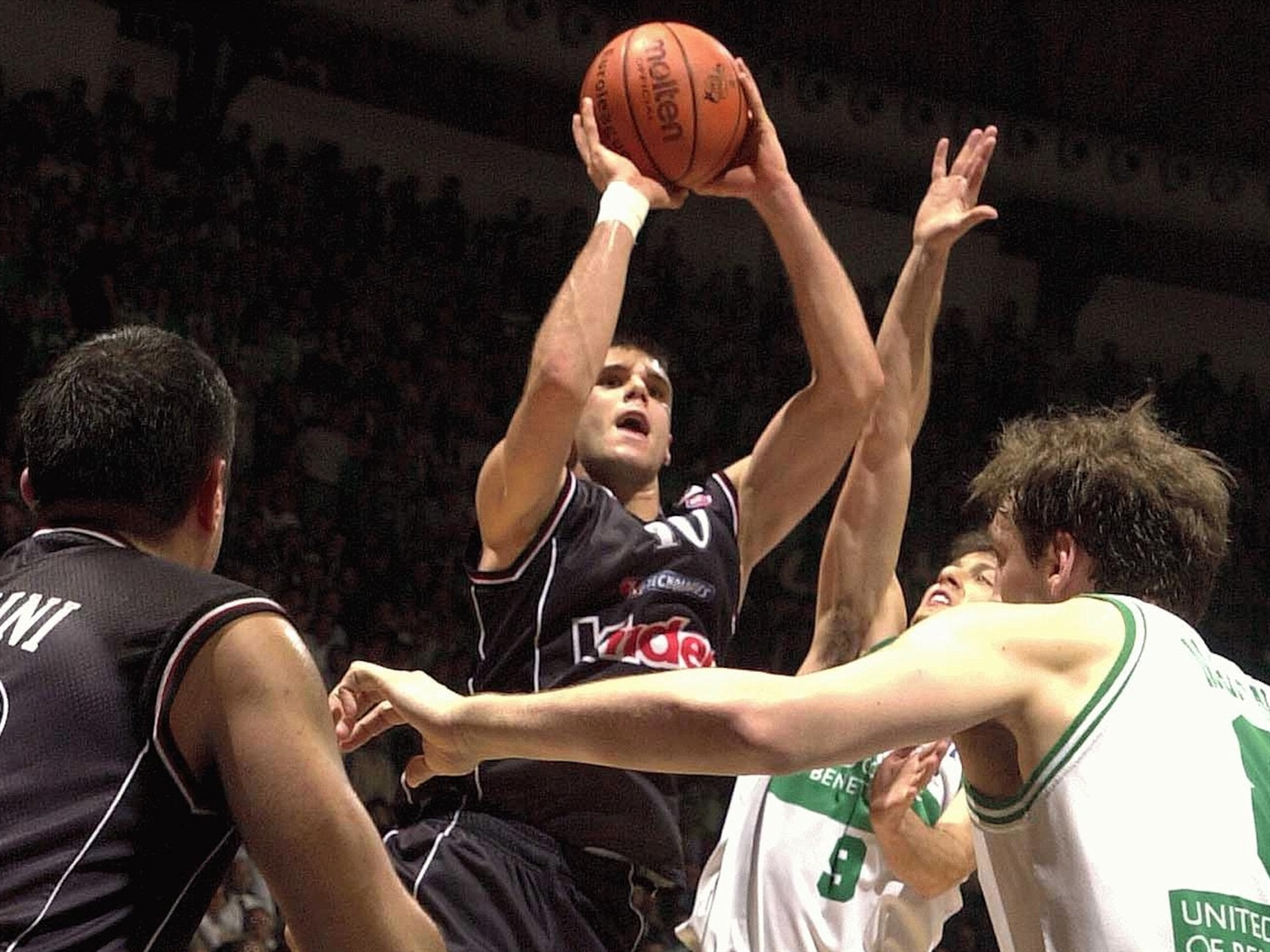 Sani Becirovic - Kinder Virtus Bologna - Final Four Bologna 2002 - EB01