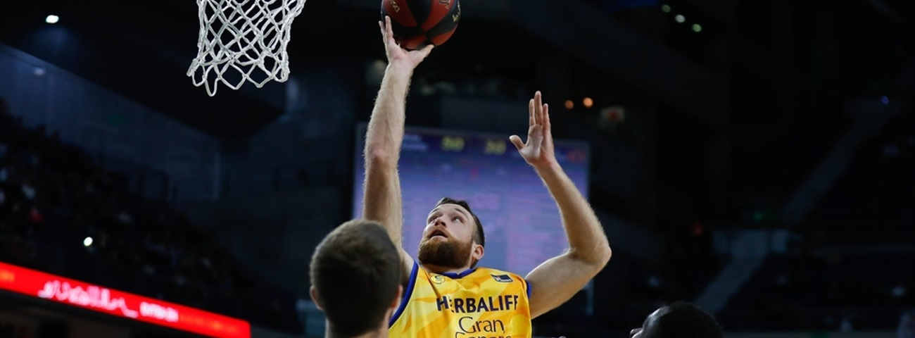 Gran Canaria, Costello agree on extension