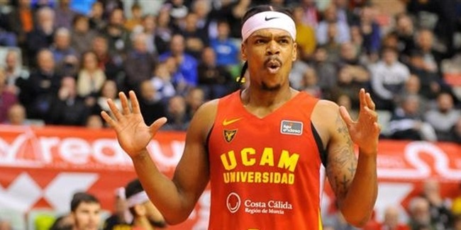 Fenerbahce adds three-point threat Eddie