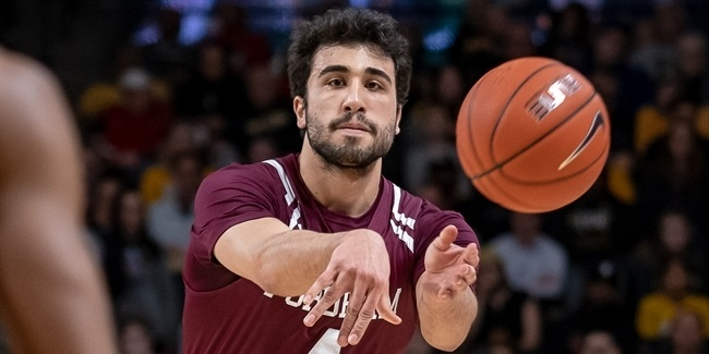 Efes bring in guard Gazi