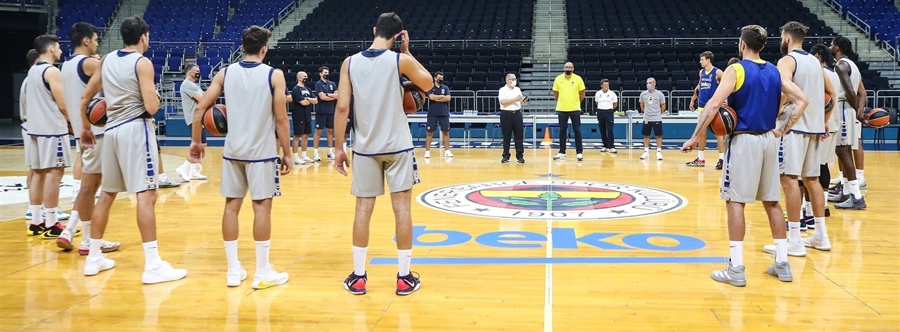 Fenerbahce nears start of new era with first practice