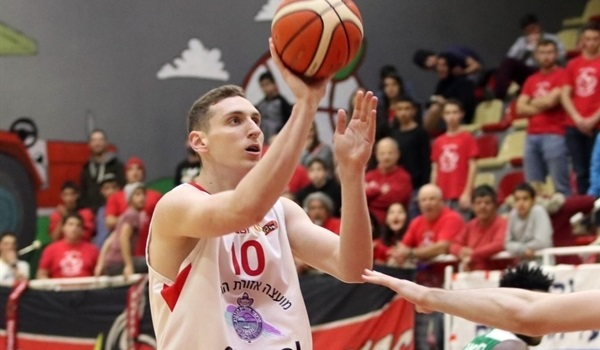 Rishon signs big man Flaischer